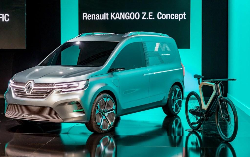Новый электрофургон Renault Kangoo ZE впервые показали на фото