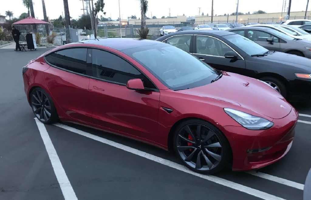 Видео дня: противоугонная система Tesla Sentry Mode впервые помогла задержать автовора