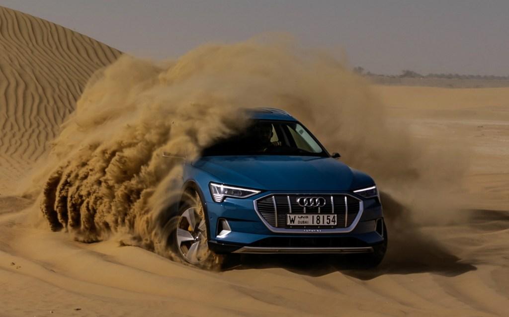 Пятизвездочный краш-тест: электромобиль Audi e-tron разбили и сняли это на видео