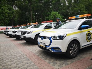 Электромобиль JAC iev7s поступил на службу в охранную компанию из Полтавы