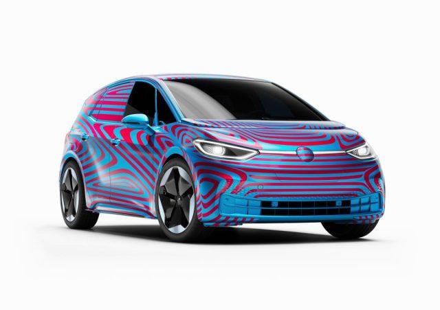 На электромобиль Volkswagen ID.3 за сутки поступило больше 10 000 заказов