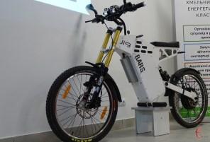 Оценил в $2500: студент из Хмельницкого сконструировал электробайк с запасом хода 80 км