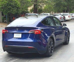 Новый электромобиль Tesla Model Y впервые сфотографировали на дороге