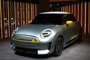 BMW открыла предзаказы на электромобиль MINI Electric: видео тизер