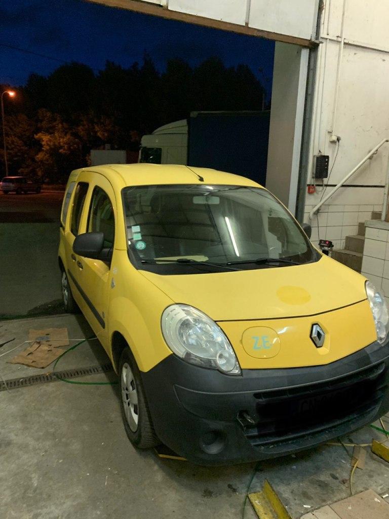 Таможня конфисковала на украинской границе два электромобиля Renault Kangoo Z.E.