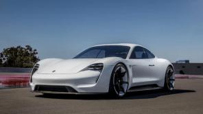 Сенсорный переключатель скоростей в Porsche Taycan способен свести с ума: видео