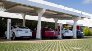 Как насчет Украины? Илон Маск пообещал установить Supercharger в Казахстане в этом году