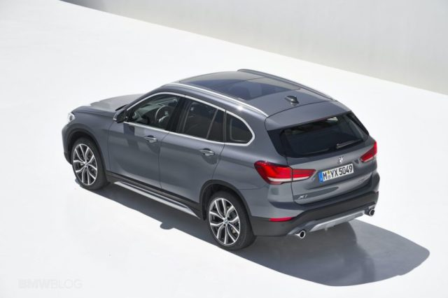 Интерьер нового электромобиля BMW iX1 будет максимально минималистичным