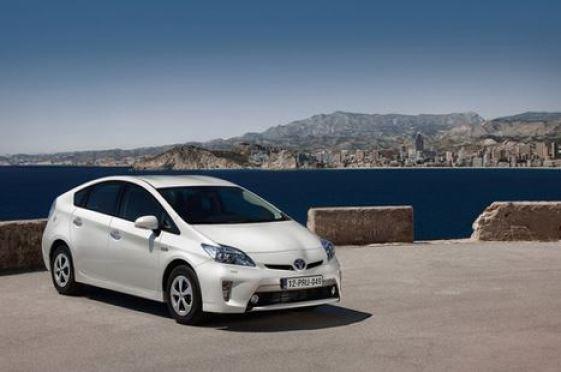 Toyota задалась целью захватить европейский рынок электрифицированных авто