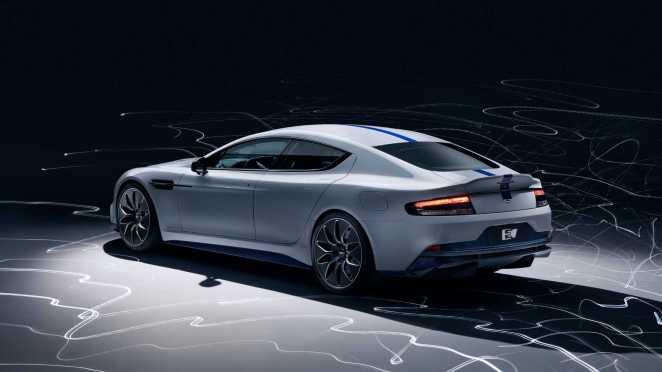 Скандал навколо Aston Martin: компанію викрили в поширенні матеріалів про шкоду електромобілів