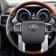 toyota-land-cruiser-2015-exterior-tme-001-a-full.indd