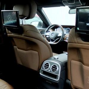 Мониторы для задних пассажиров Mercedes