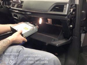 Установка камеры Audi Q5