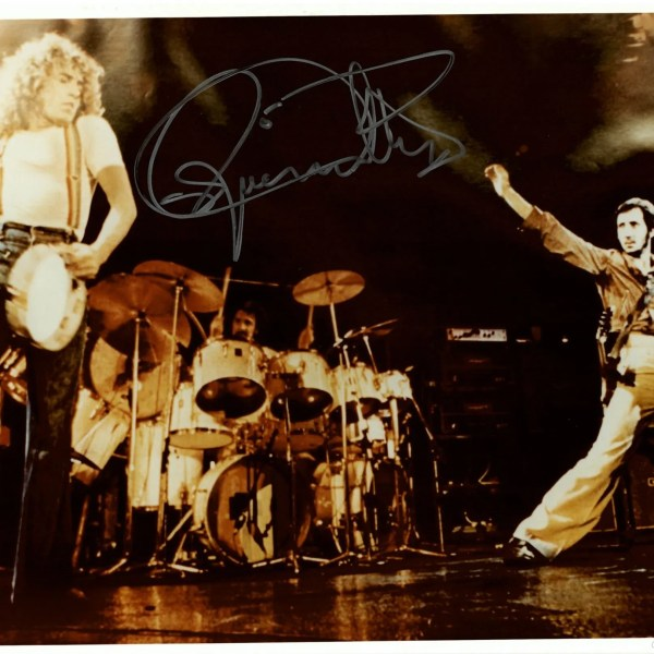 Roger Daltrey Autograph Photo The Who Live 1