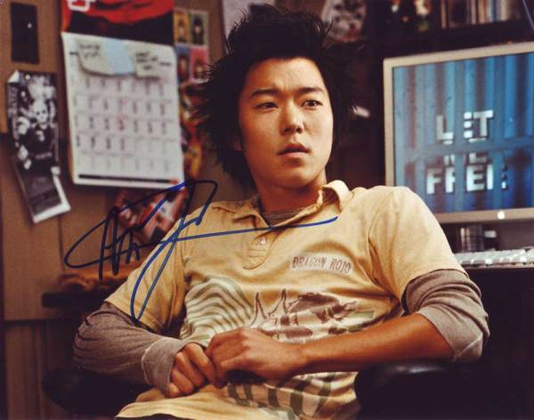 Aaron Yoo in-person autographed photo