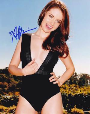 Alison Brie In-person Autographed Photo