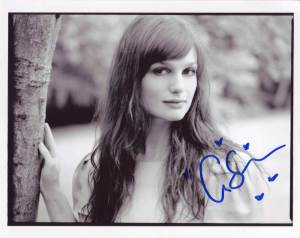 Alison Sudol in-person autographed photo