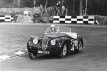 1953_Jaguar_XK120M_01