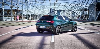 Alfa-Romeo_Giulietta-Executive_01