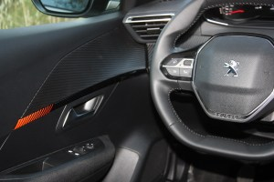 Peugeot 208 1.5 BlueHDI 100 PS autoholix 028