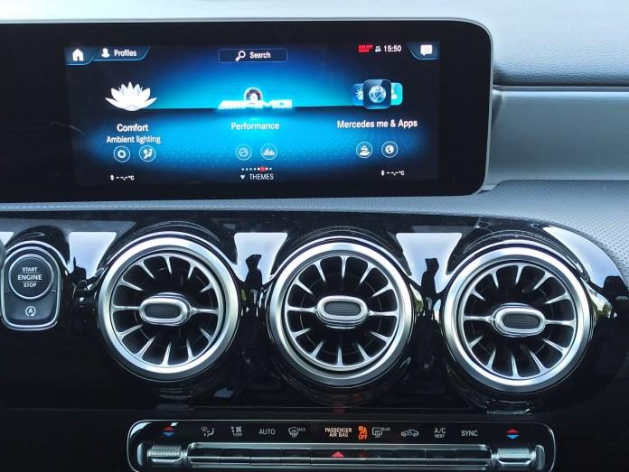 Mercedes AMG A35 sedan 4MATIC 306PS autoholix 2020 023