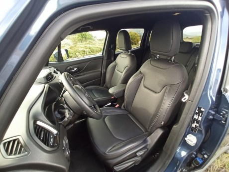 Jeep Renegade 4xe Plug-in Hybrid 12
