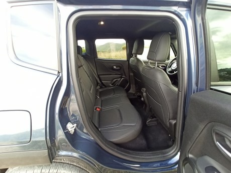 Jeep Renegade 4xe Plug-in Hybrid 34