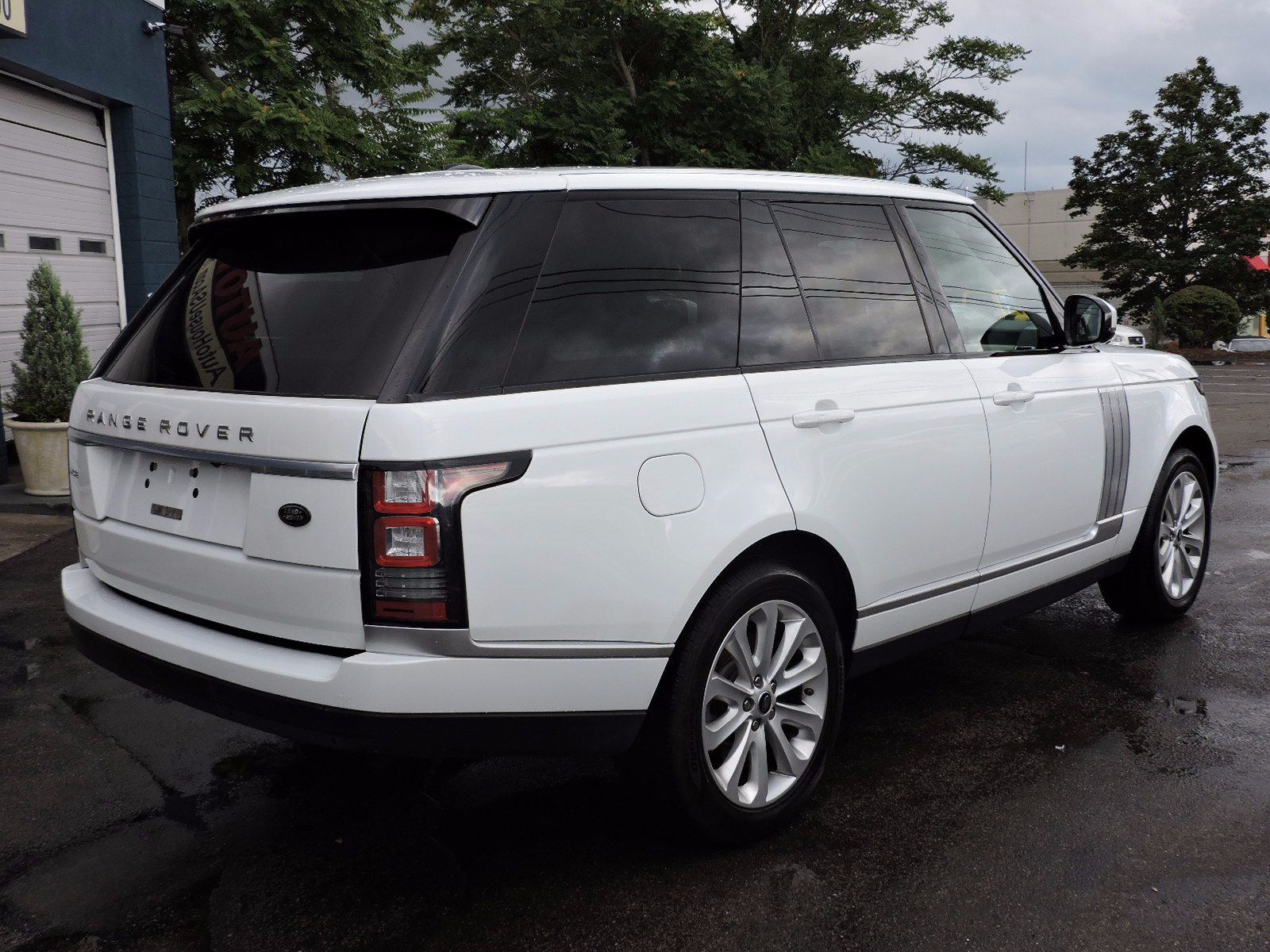 Used 2014 Land Rover Range Rover HSE at Auto House USA Saugus