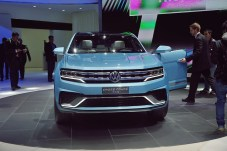 VW Cross Coupe GTE 24 NAIAS 2015