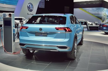 VW Cross Coupe GTE 32 NAIAS 2015
