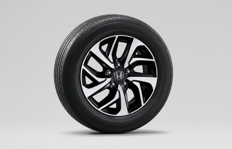 16インチアルミホイール+スチールラジアルタイヤ(SPADA専用デザイン)