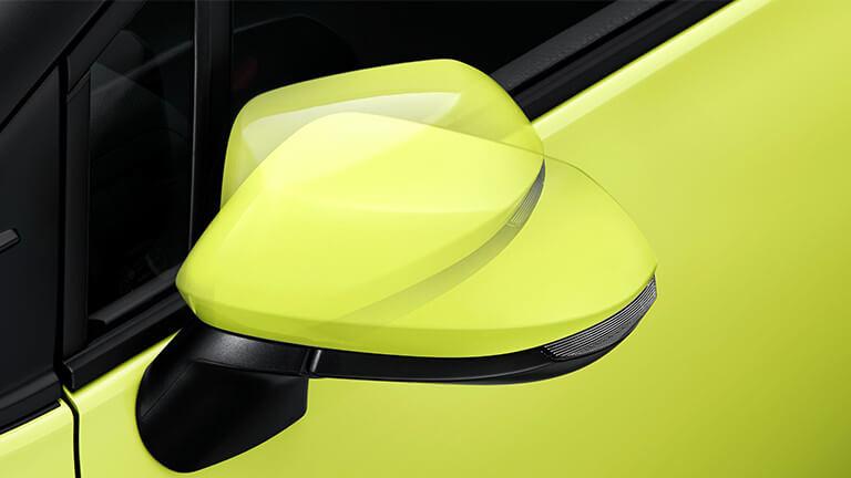 電動格納式リモコンカラードドアミラー(LEDサイドターンランプ付)
