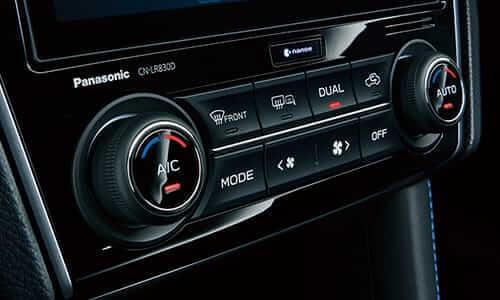 左右独立温度調整機能付きフルオートエアコン