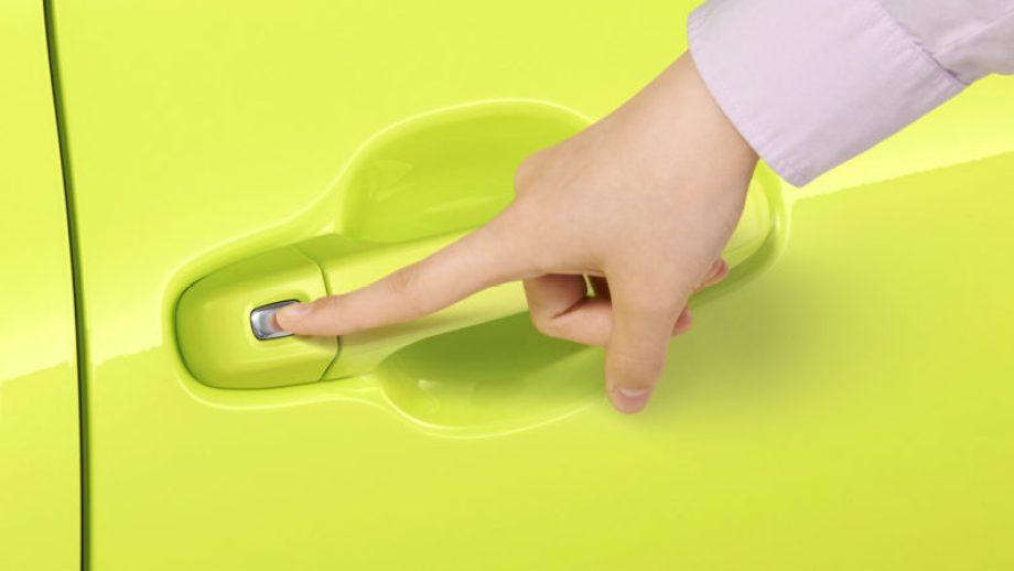 シエンタ ワンタッチスイッチ付パワースライドドア(挟み込み防止機能付)