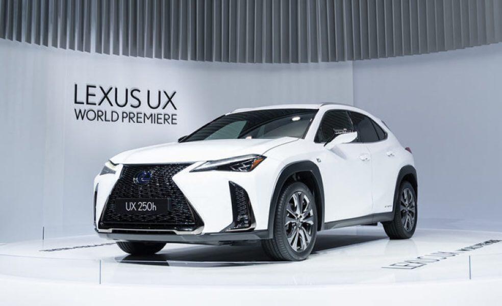 新型UXは、以下の4つのグレードが設定される