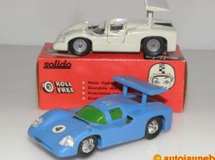 Solido Chaparral S F un modèle blanc un bleu