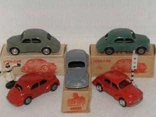 Lion-Car Renault 4 CV (versions néerlandaises); observez les jantes: aluminium ou en zamac brut