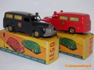 Ambulances Falck (rouge et noire)