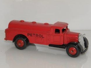 Dinky Toys 25 D rouge