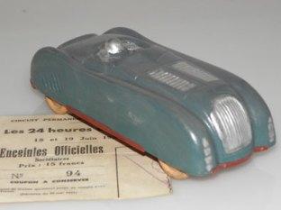 Bugatti 57C en celluloïd au 1/38 environ
