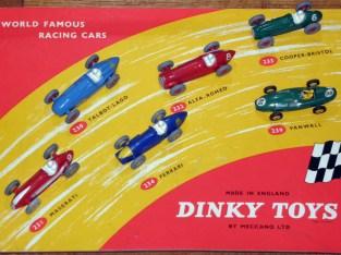 Coffret plateau Formule 1 des années 50...produit par Dinky Toys sous cette forme début 1960