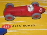Dinky Toys Alfa Romeo 158 sur le diorama