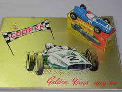 Cooper 2,5 Dinky Toys et catalogue Cooper