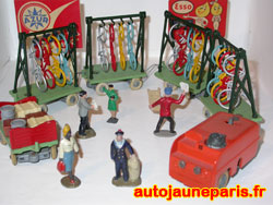 Les banlieusards sont dans les gares - Solido