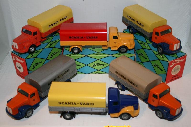ensemble de Scania Vabis bâchés