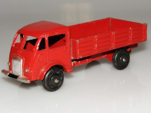 Dinky Toys Ford entrepreneur rouge