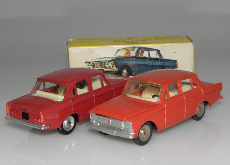Moskvitch Novoexport et Dinky Toys
