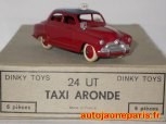 rare version de l'Aronde taxi (première calandre)
