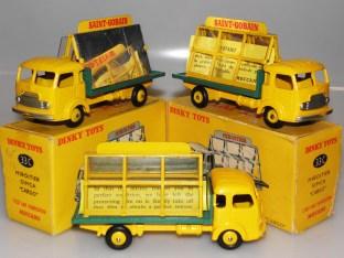 Dinky Toys les variantes de Simca Cargo de couleur jaune