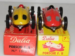 Dalia : Porsche grilles arrière peintes de couleur noire ou argent